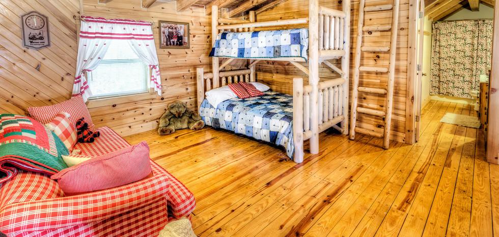 upstairs bedroom 2 bunkbedsIMG_7741_2_3p