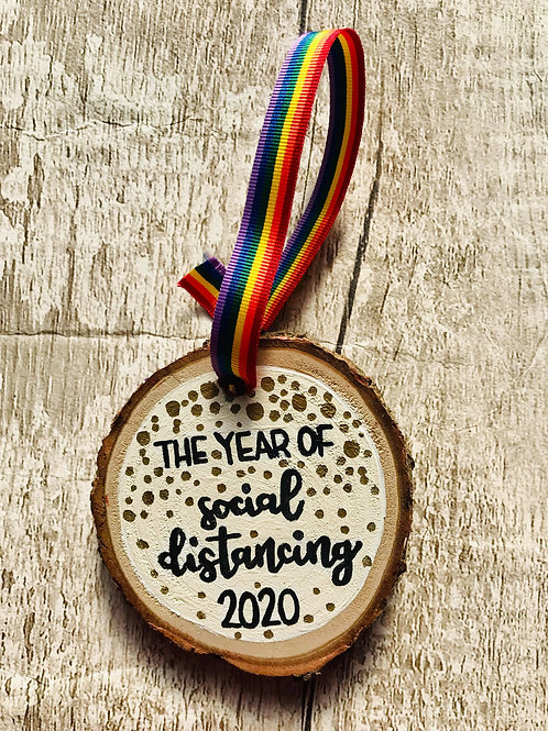 'The year of social distancing 2020' tree ornament