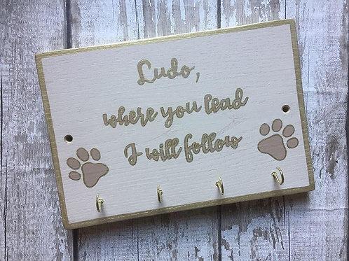 wooden dog lead/keys hanging plaque