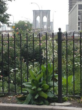 Brooklyn Bridge Memorial Groove