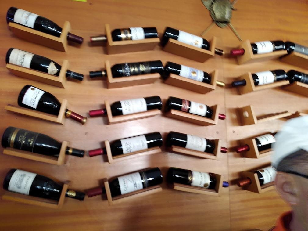 Na vida, guarde corretamente seus preciosos vinhos.