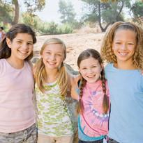 Glückliche junge Mädchen