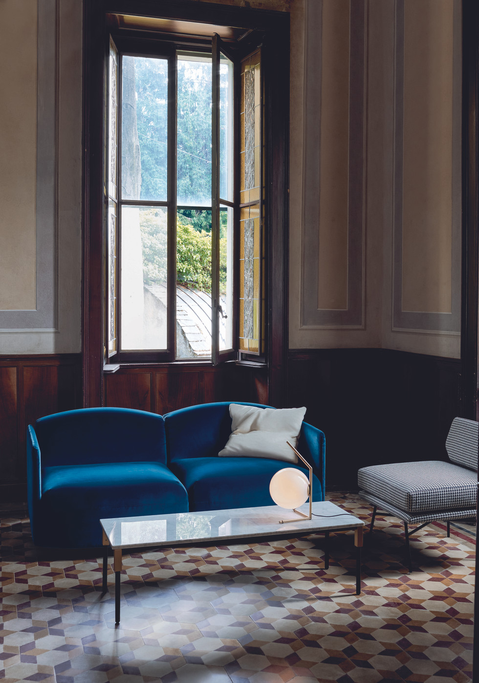arflex-match-small-table-design-bernhard
