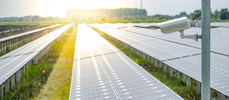 uberwaxhung-kamera-solarpark-alarm-direc