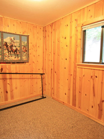 2nd Cabin Bedroom.jpg