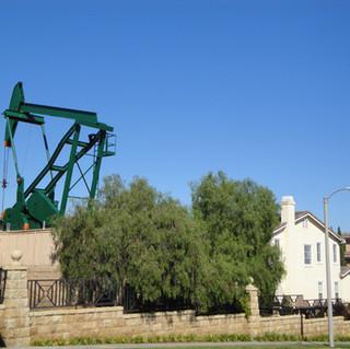 Signall Hill pumpjack, 2011.