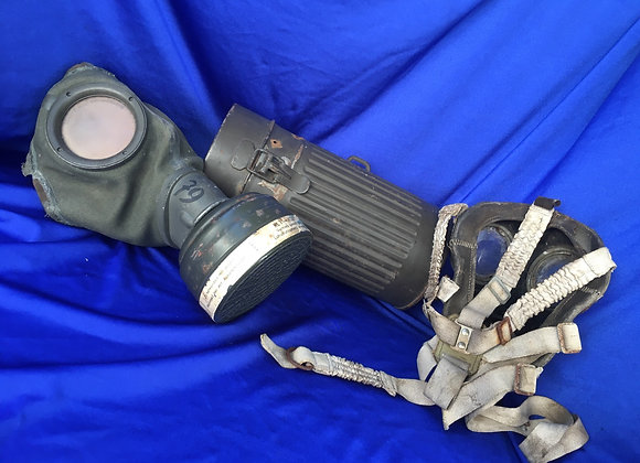 WW2 German Luftschutz A Model 38 Gas Mask with Case and extra mask