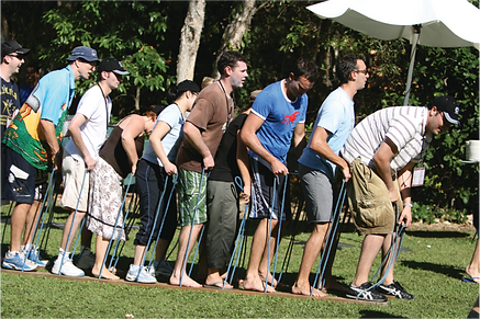 The nice but old school team building ski game