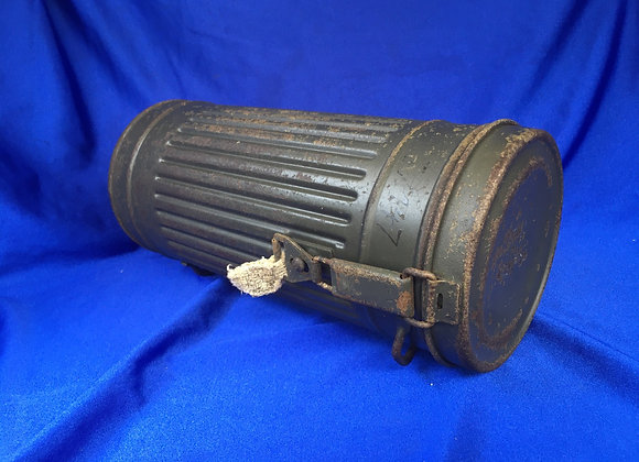 WW2 German gas mask canister (original) remnant name
