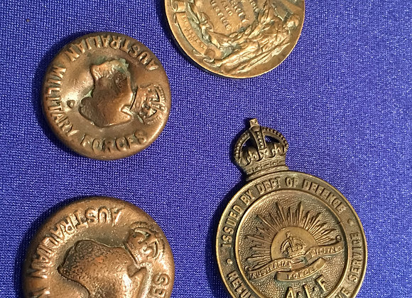WW1 Returned From Active Service Badge, Peace Medallion and Buttons