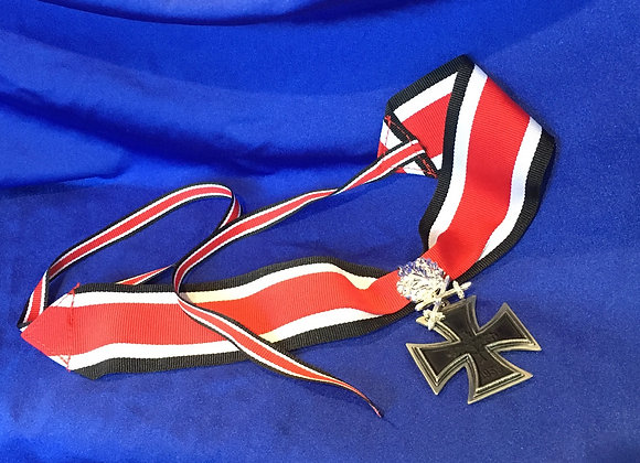 German Knights Cross With Oak Leaves 1957 Version (Repro)