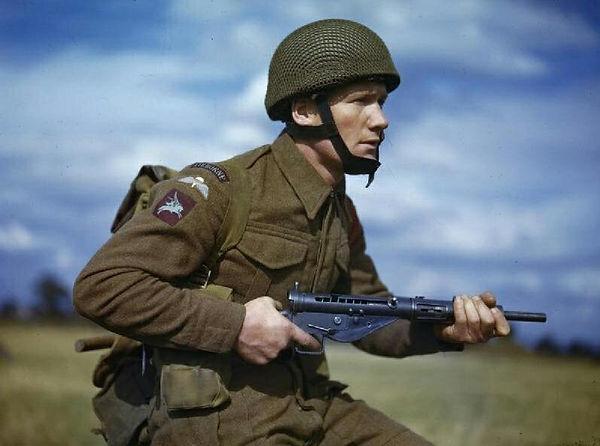 British Para with Sten Gun.jpg