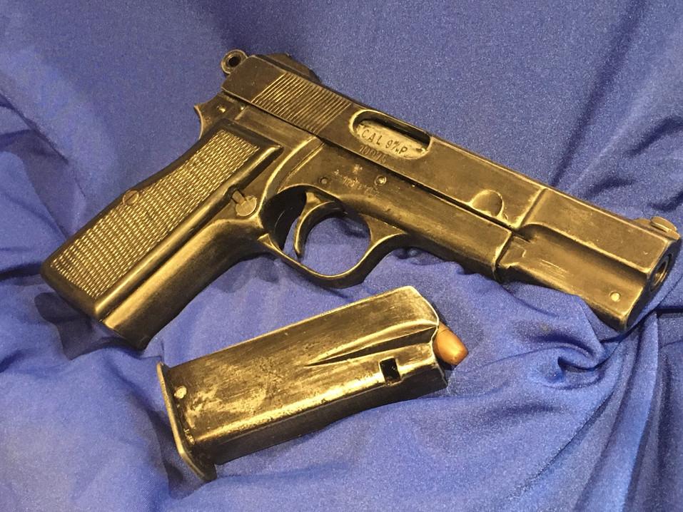 Replica pistol