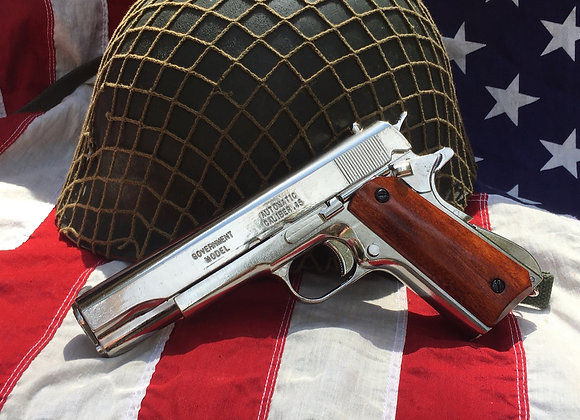 US Colt Government 45 Auto / 1911 (disassembles / field strips) Chrome