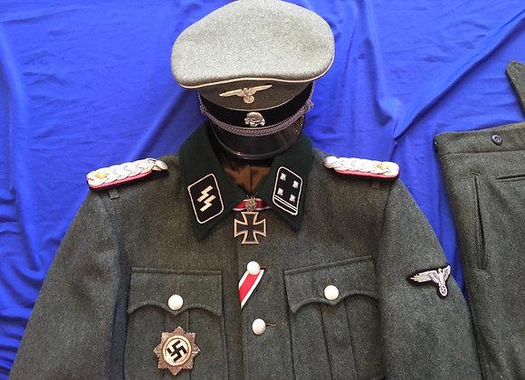 Waffen SS Obersturmbannfuhrer Uniform (Repro)
