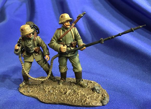 WW1 German Flamethrower Team by W Britain