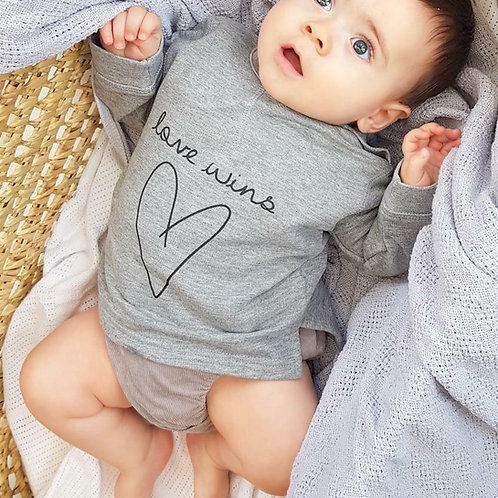 LOVE WINS | Sweatshirt