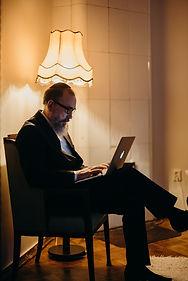 rabbi-computer.jpg