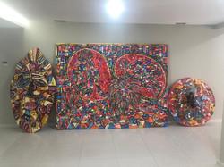 Peças de arte contemporânea presentes no espaço Guilherme Mampuya