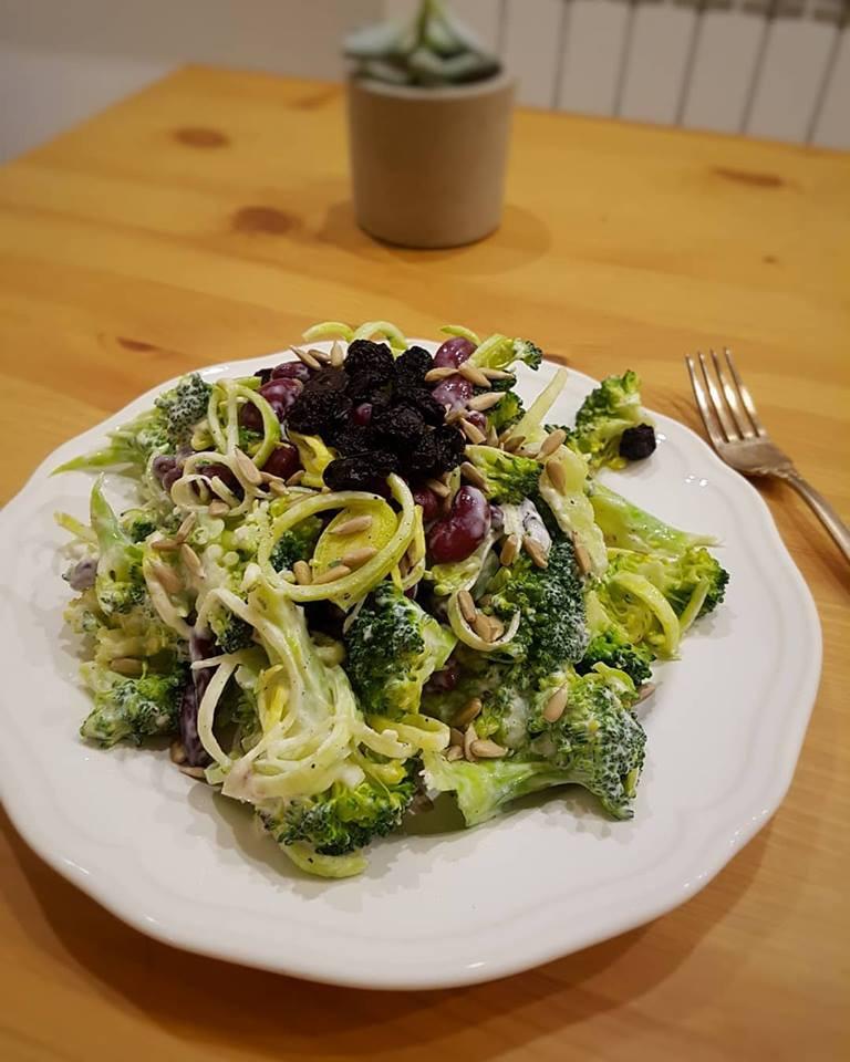 Labai maistingos brokolių salotos | wwwl.salduolis.lt