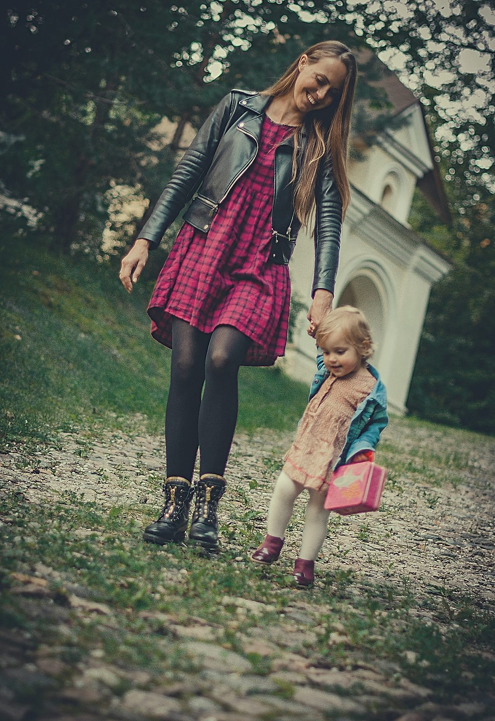 Berta Garuckė su dukryte, Cukrinis avinėlis