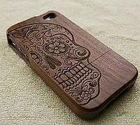 Деревянный чехол для айфона с гравировкой