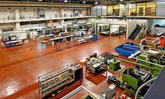 צילום תעשיית של אולם ייצור בחברת לב מבלטים