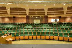צילום אדריכלי של אולם הרצאות