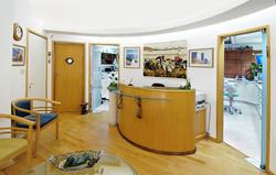 צילום חדר קבלה למרפאת שיניים