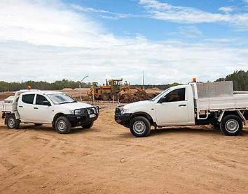 כלי רכב באתר בנייה