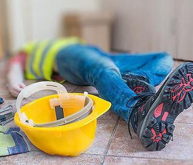 פועל נפצע באתר בנייה