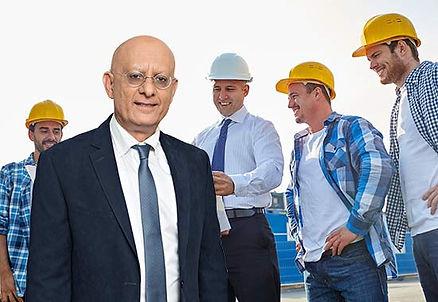 איציק סימון באתר בנייה