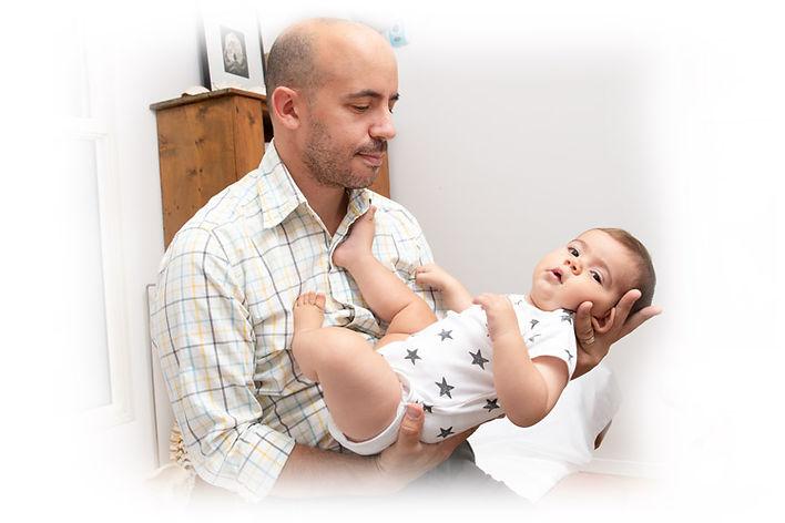 אוהד-בזמן-בדיקת-תינוק.jpg