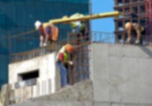 ביטוח קבלנים - עובדים בעבודה.jpg