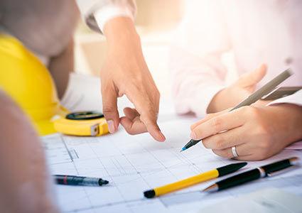 אדריכלים בעבודה