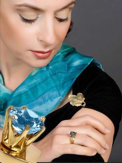 צילום תכשיטים על דוגמנית