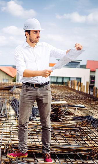 הנדסאי באתר בנייה