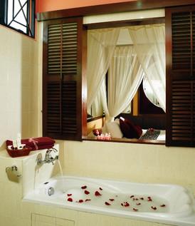 Villa Suite_Bathroom.jpg