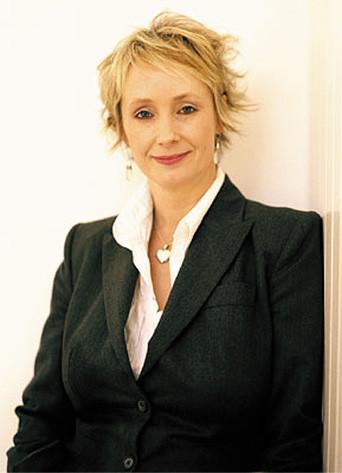 Lesley Waters