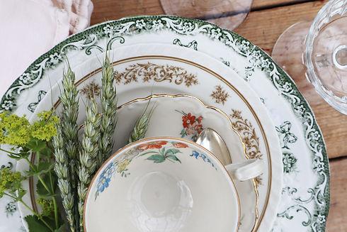Grön Blommigt På Låda Närbild.jpg