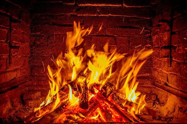 fireplace-620427_1920.jpg