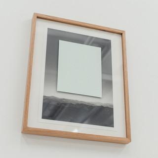 sem título, 2019 Acrílica sobre vidro e impressão em papel algodão 300g 40cm x 28cm