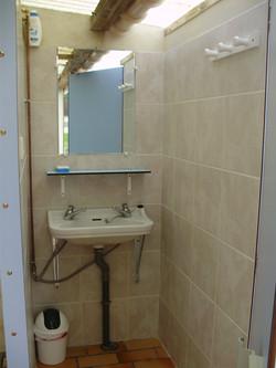 lavabo interrieur_edited.JPG