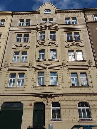 dům - ulice 1.jpg