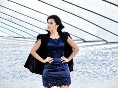 'FRENCH STYLE': MARINHO E PRETO