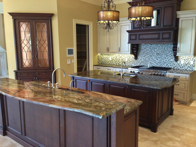 Traditional Kitchens by Elite Woodwork