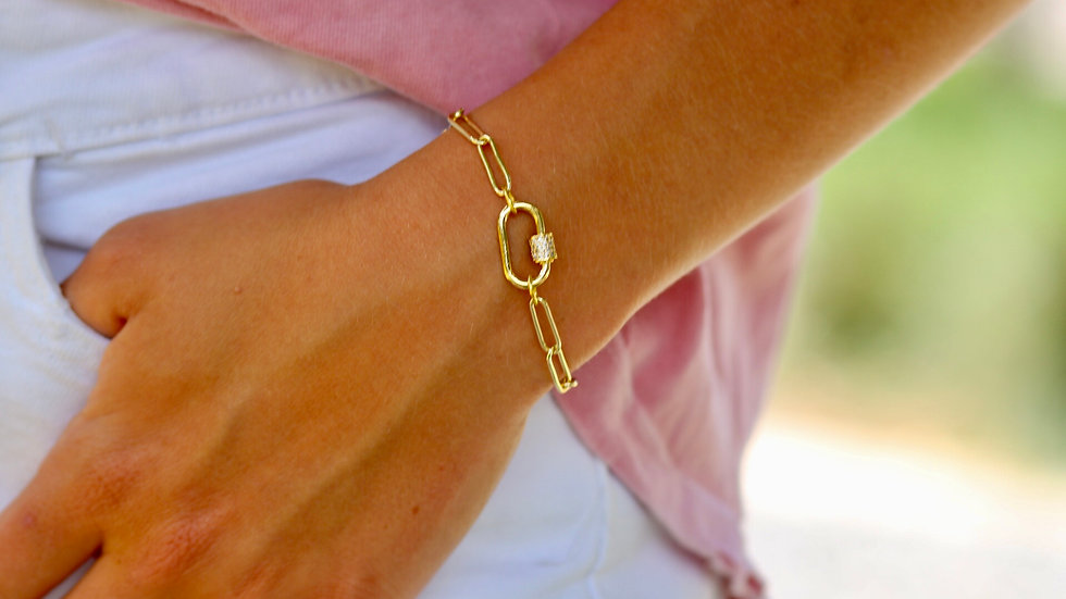 Gold Chain Pendant Bracelet