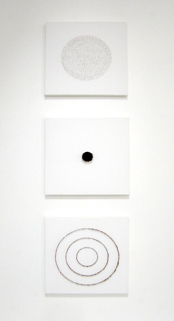 Neulas triptyykki 2008 (3x40cmx40cm)