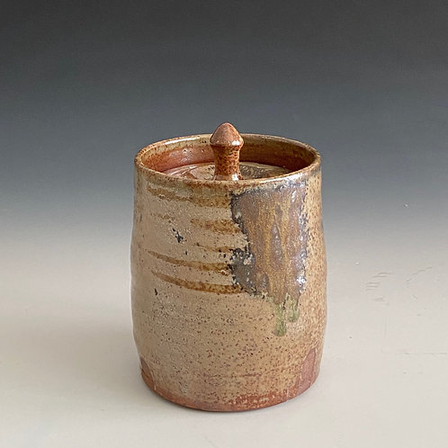 L shino lidded container
