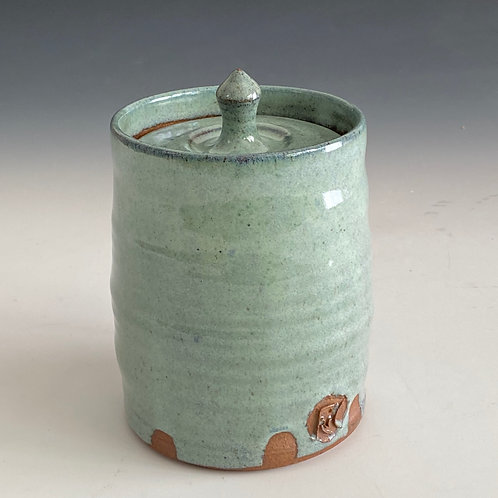 L blue lidded container